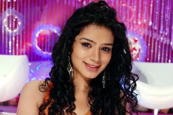 Suriti Kandpal uttarakhandi Actress