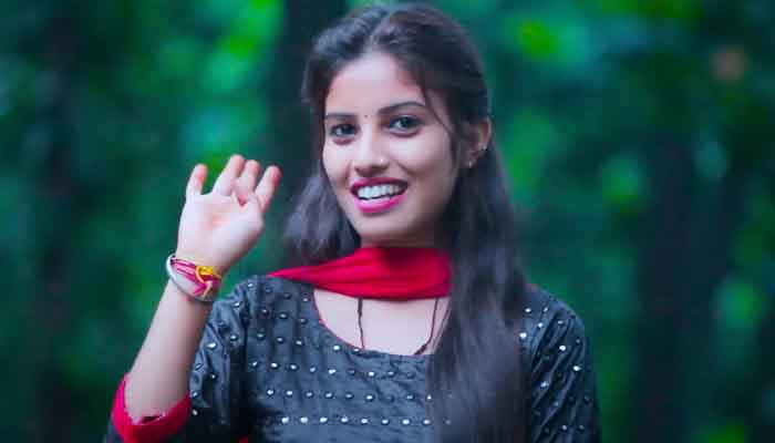 young-singer-manisha-rawat-is-making-a-name-in-uttarakhandi-music-has-given-voice-to-many-garhwali-songs