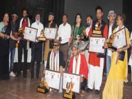 15-dignitaries-from-uttarakhand-received-the-honor-at-the-uftara-samman-ceremony-at-the-town-hall-in-dehradun