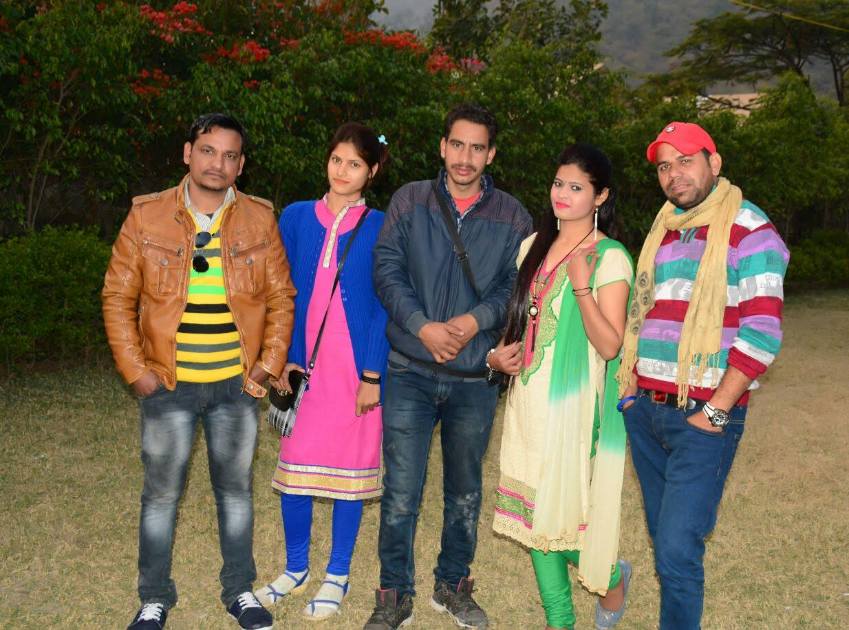 Anisha with Keshar Panwar and Team