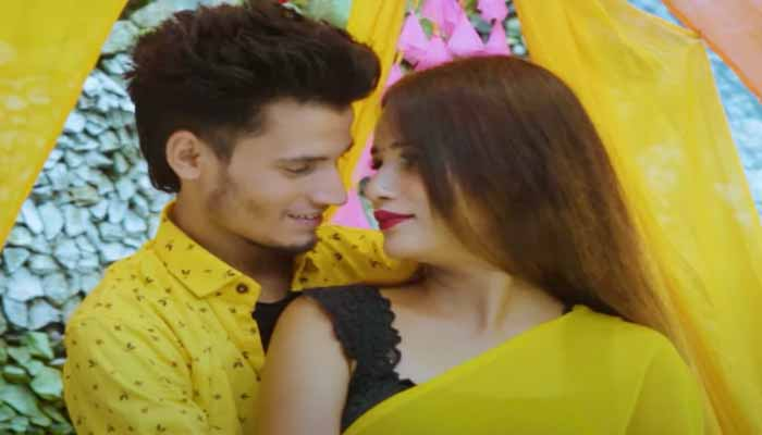 20768-2neeraj-dabral-tried-his-hand-in-acting-as-well-as-direction-watch-this-video
