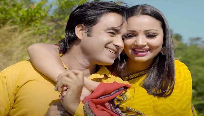 20616-2in-meri-khushi-tu-video-ajay-shalini-spreads-the-colors-of-romance-on-the-screen-watch-the-video